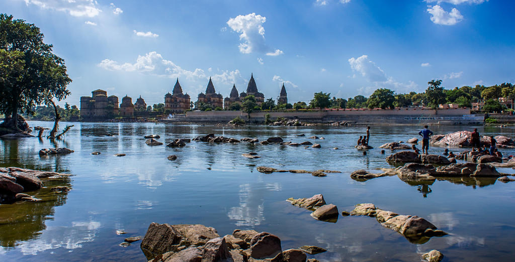 Over the river to Orchha